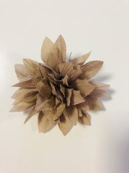 Anstecker Blüte Beige